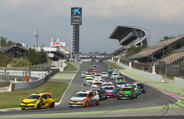 Renault Clio Cup - Barcelona for vacation ?