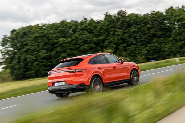 Half-year results: Porsche increases sales revenue by nine per cent