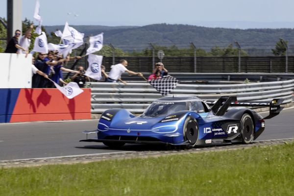 Volkswagen ID.R: Records in the rear-view mirror, sights set on Chinese Tianmen Mountain