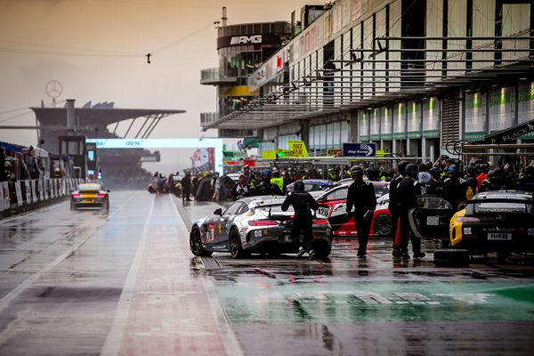 A turbulent start of the long race weekend in the 'Green Hell'