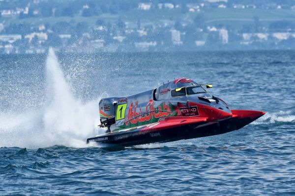 Rough Waters delay Team Abu Dhabi charge in France
