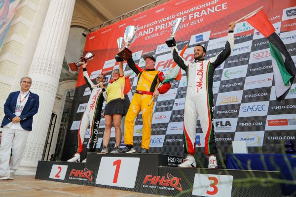 Andersson holds off Torrente to win F1H2O Grand Prix of France