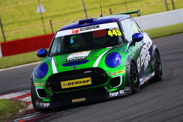 Dan Zelos closing on maiden MINI victory after podium double at Donington