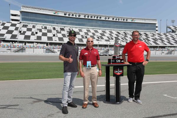 Kurt Busch Returns to Daytona International Speedway – and Takes to the Tri-Oval