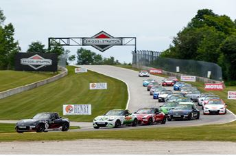Huge Global Mazda MX-5 Cup field invades Road America