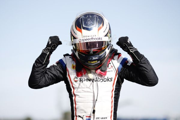 Nyck De Vries wins in Le Castellet to take Championship lead