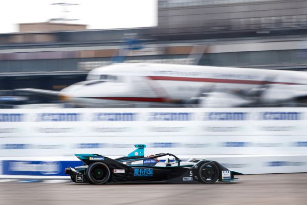 HWA RACELAB in the points again at its home ePrix in Berlin