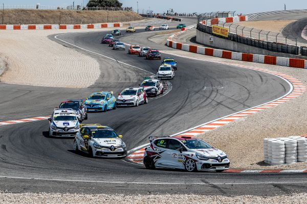 Clio Cup France - Pouget and Guldenfels share the spoils at Lédenon