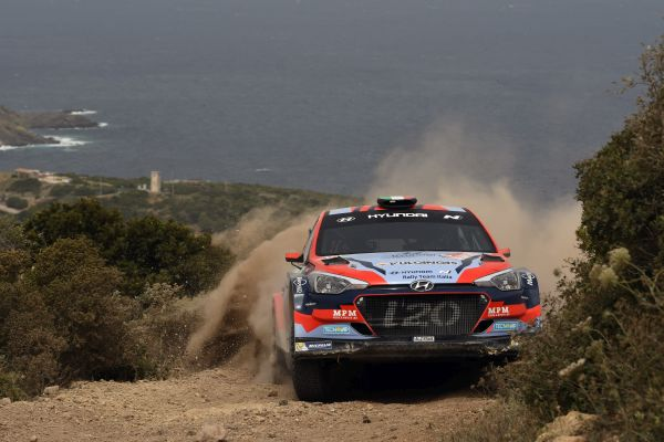 Double Roma winner Scandola in Hyundai i20 R5 for home ERC round