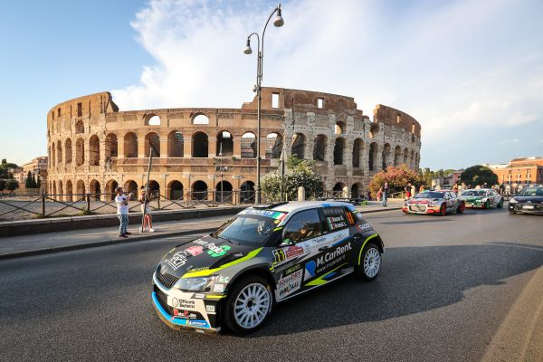 Driving parade brings FIA European Rally Championship to the centre of Rome