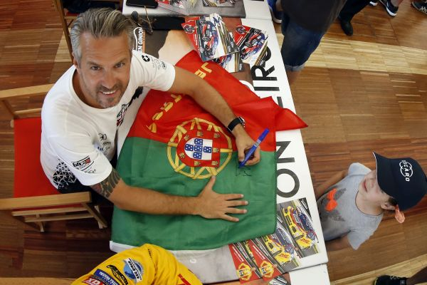 Returning home hero Monteiro joins the WTCR street racers in Vila Real