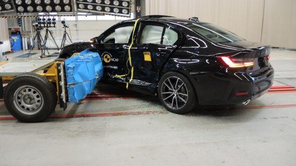 Euro NCAP crash testing: five stars for the new BMW 3 Series