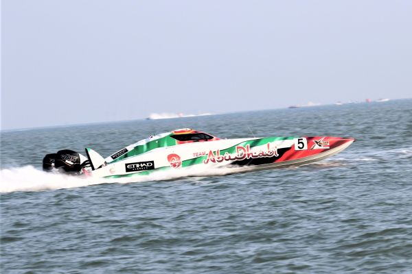 Team Abu Dhabi duo claim first XCAT pole in China