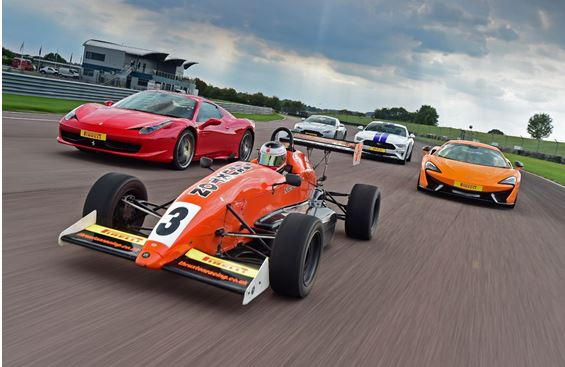 Thruxton's Christmas Cracker: Driving experiences from just £69!