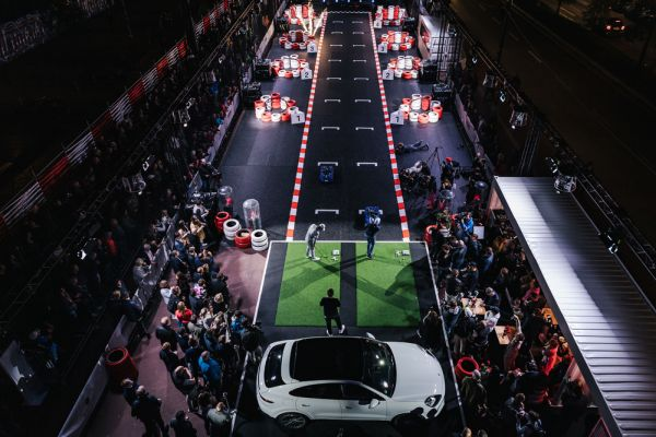 Porsche Urban Golf Challenge in St. Pauli thrills the stars