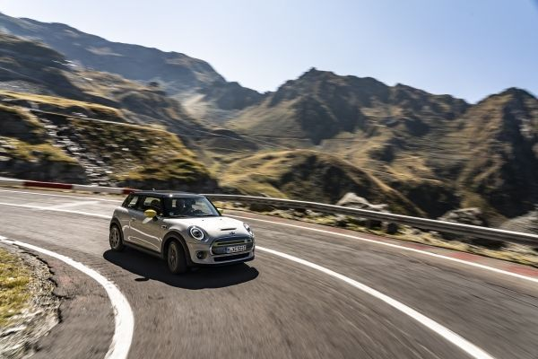 "The new MINI Cooper SE: adventure tour on the ""best road in the world"""