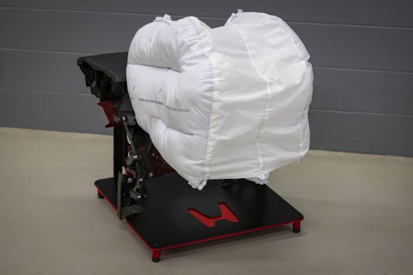 Honda Announces New Passenger Front Airbag Design to Reduce Traffic Injuries