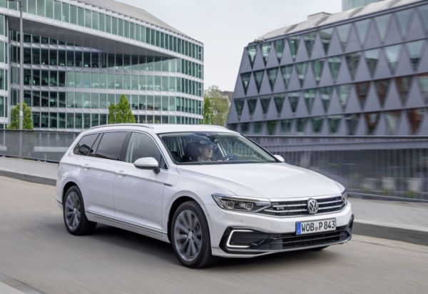 New Passat GTE with longer electric range