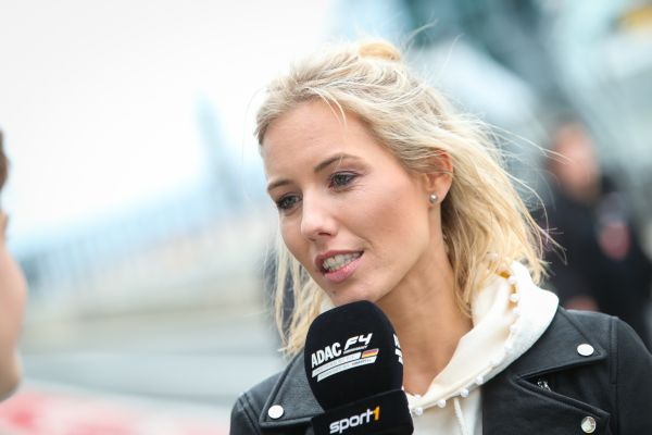 Laura Papendick made her debut at the Nürburgring as presenter of the live broadcasts on SPORT1.