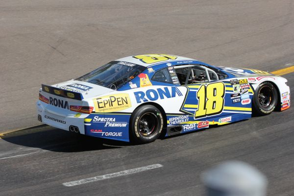 Second consecutive podium finish for Alex Tagliani in the NASCAR Pinty's Series
