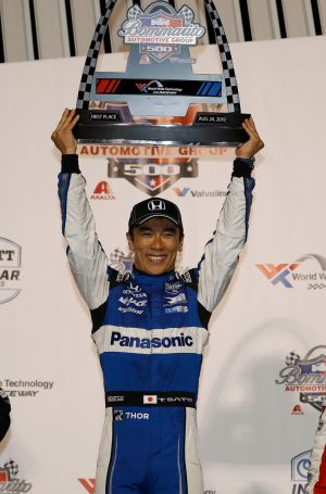 Sato, Honda Win Indy Car Thriller in St. Louis