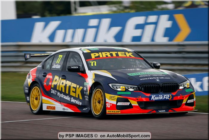 Pirtek Racing battles hard at Thruxton