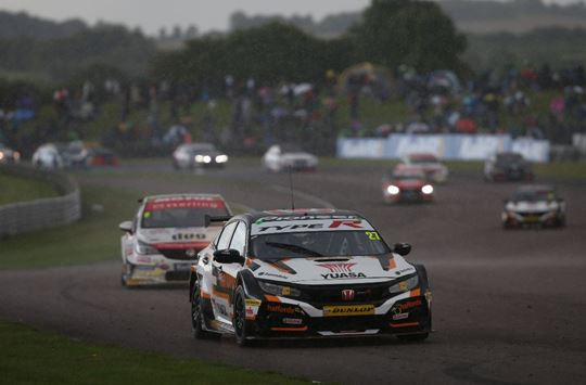 Tordoff, Cook and Cammish each claim a win at Thruxton