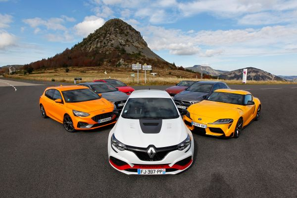 The Renault MEGANE IV R.S. TROPHY-R wins the award of the Sportcar of the Year 2019 by Echappement magazine