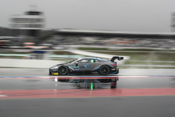 Another result in Top Eight for Aston Martin Vantage DTM to end first season