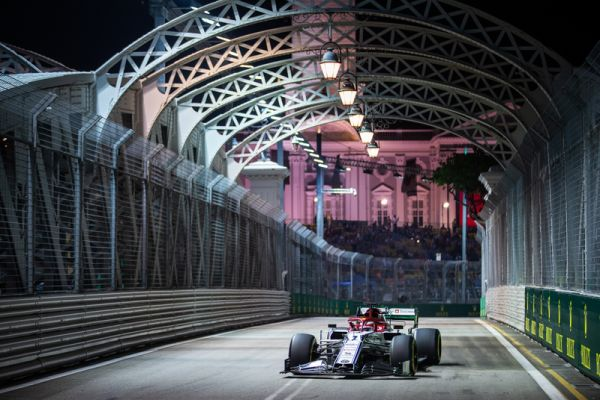 Alfa Romeo F1 Singapore Grand-Prix qualifying - The lights are back on