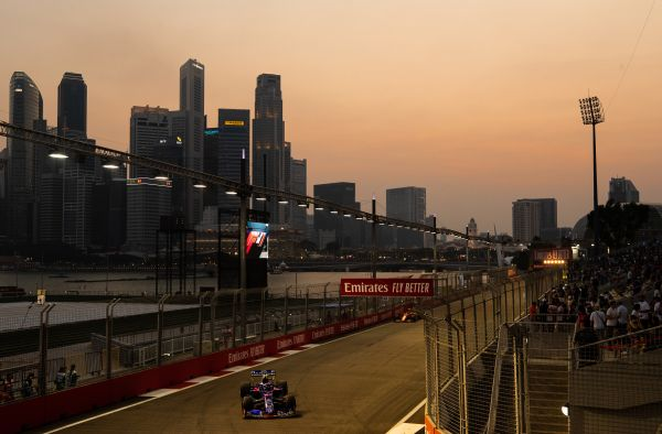 Scuderia Toro Rosso F1 Singapore Grand-Prix qualifying
