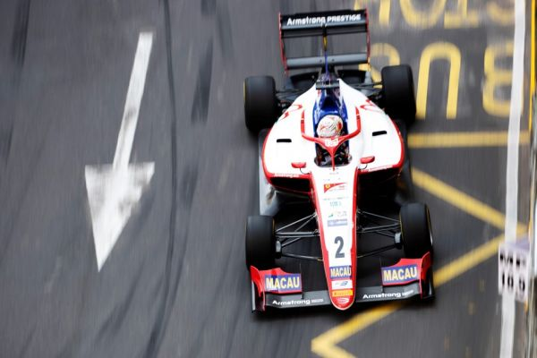 Armstrong first to go fastest on Macau's tricky streets