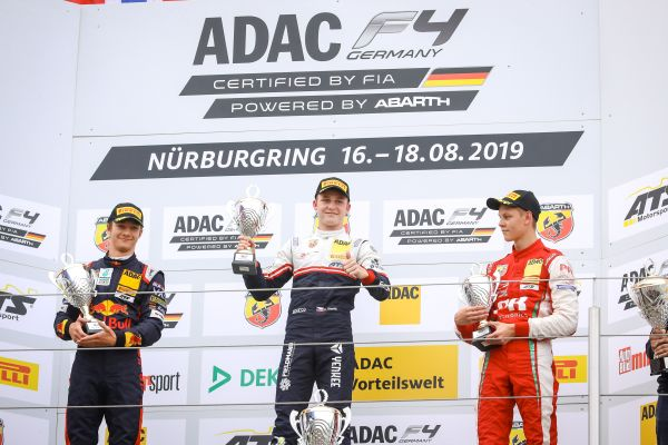 Pourchaire extends Formula 4 championship lead at Nürburgring