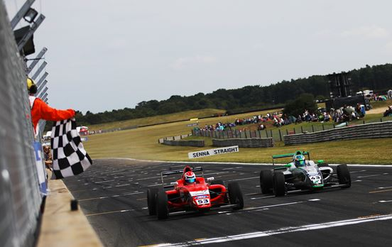 Arden Motorsport return to winning ways in British F4 at Snetterton