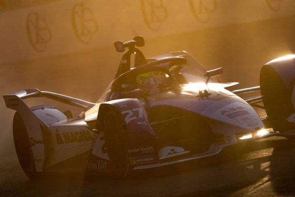Diriyah ePrix - Saturday race classification, Sims unbeatable in Saudi Arabia
