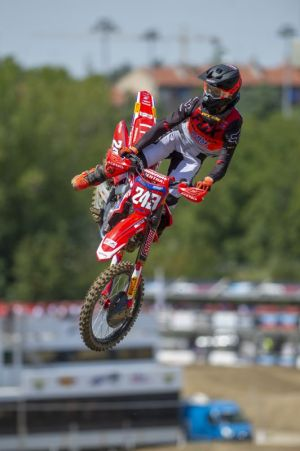 Gajser sets up race day with qualification victory at Imola - result, standings