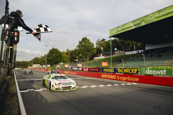 Soerensen one point behind Maggi after an exciting Zolder Nascar Euro Series win - result