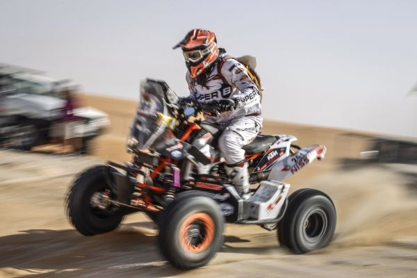 Kees Koolen poised for new title bid in Abu Dhabi Baja