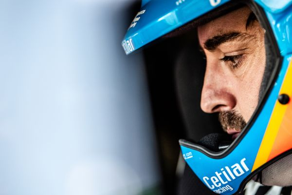 Cetilar Racing signs sponsorship deal with Fernando Alonso for the Dakar 2020