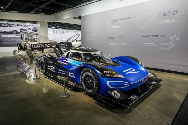 Petersen Automotive Museum L.A.- Volkswagen ID.R meets the ID. family
