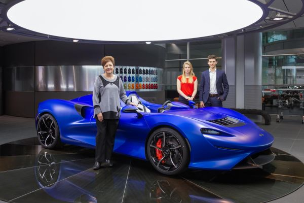 McLaren celebrates its Kiwi roots and welcomes latest Bruce McLaren Engineering interns