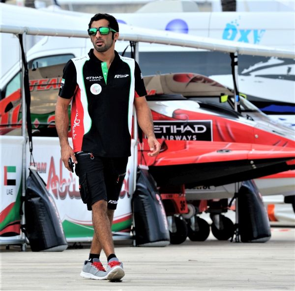 World Champion Al Qemzi sets early pace in Abu Dhabi with dramatic surge