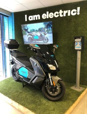 Collaboration between BMW Motorrad and mobility provider Cooltra