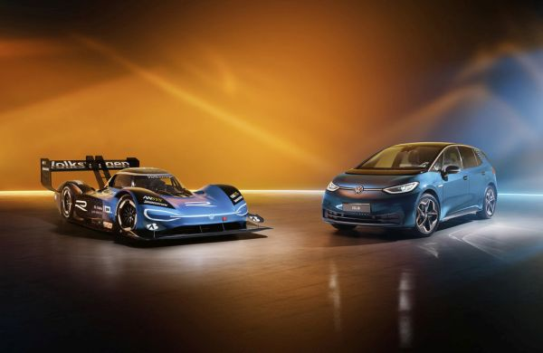 Race car meets production model: Volkswagen ID.R and ID.3 at the Essen Motor Show