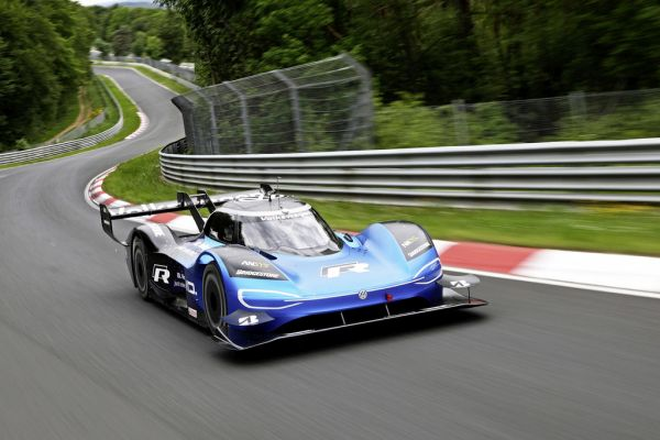 "Volkswagen ID.R is ""Electric Racing Car of the Year"""