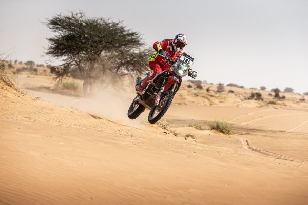 Africa Eco Race - Motorcycle duel goes to the wire as Martin duo edge clear in car and truck section