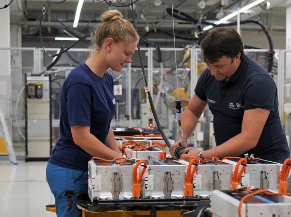 BMW Group steps up expansion for production of electric powertrain components at Plant Dingolfing