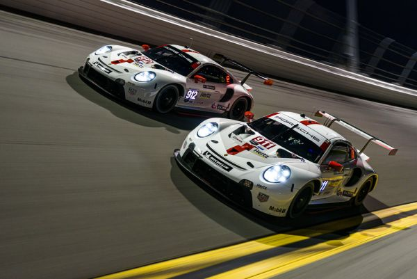 New Porsche 911 RSR celebrates race debut in Daytona
