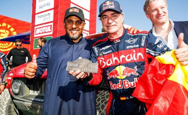 Carlos Sainz and Ricky Brabec show the way in Saudi Arabia