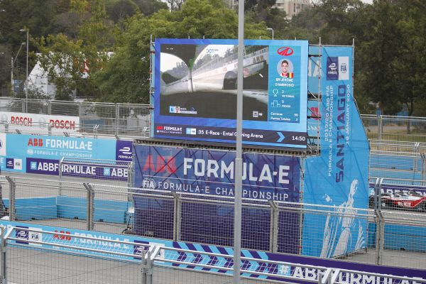 Fraught Santiago ePrix 2 nd Practice session comes to an early close under the Red Flag